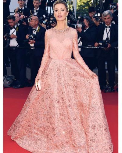 Виктория Боня покорила Канны платьем за миллион рублей