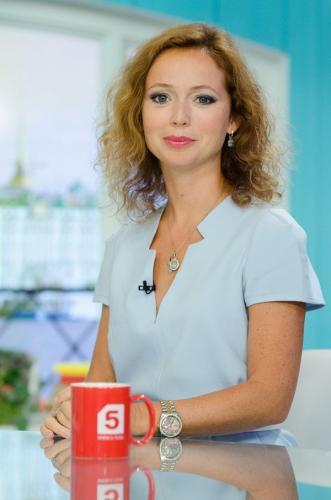 Елена Захарова поддерживает свою фигуру в отличной форме
