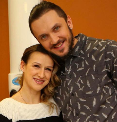 Трехмесячная дочь Волосожар и Транькова приступила к тренировкам в бассейне